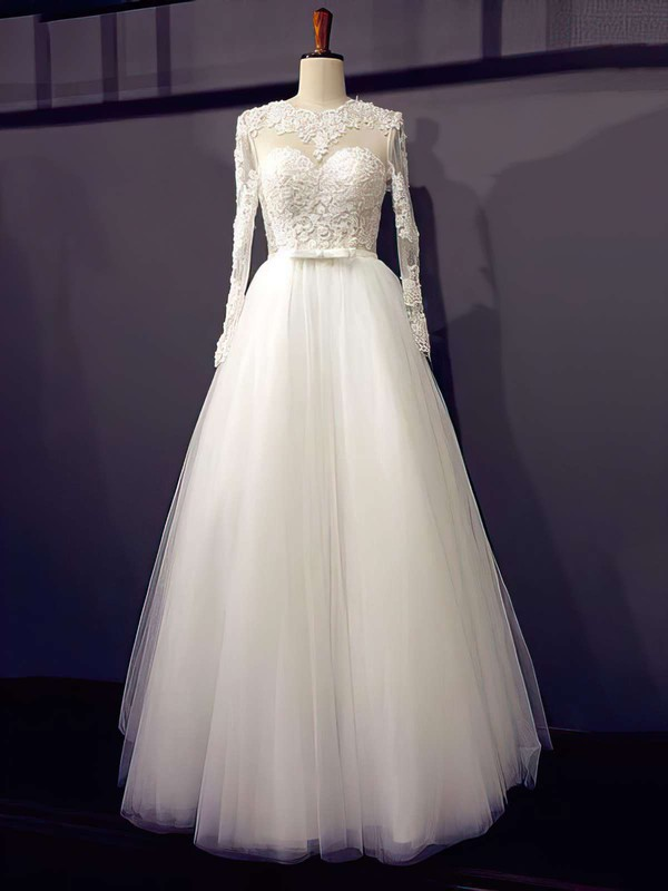 Famous Princess Scoop Neck Appliques Lace Long Sleeve Ivory Tulle Wedding Dresses
