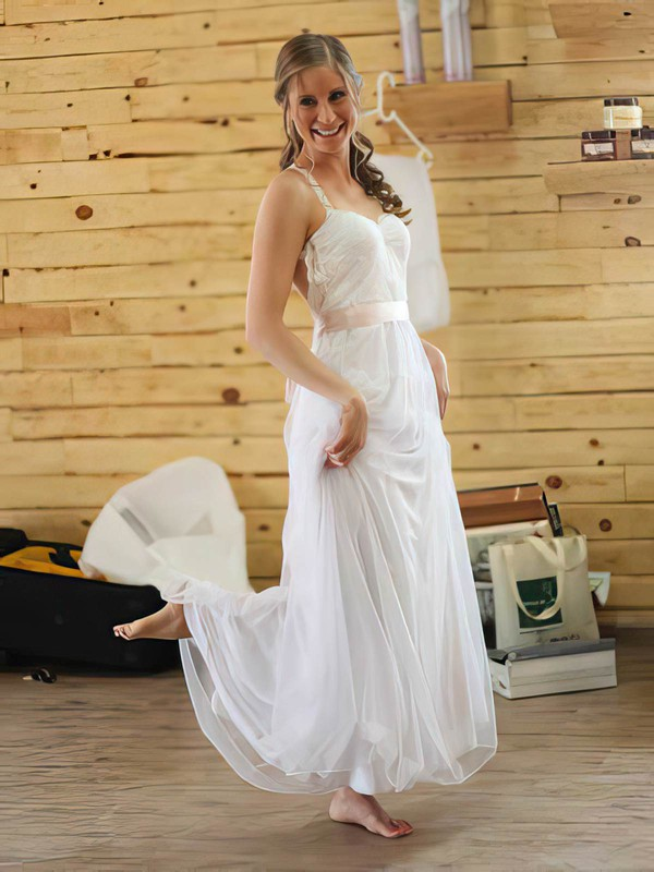 Simple Halter White Chiffon Lace with Sashes/Ribbons Backless Wedding Dresses