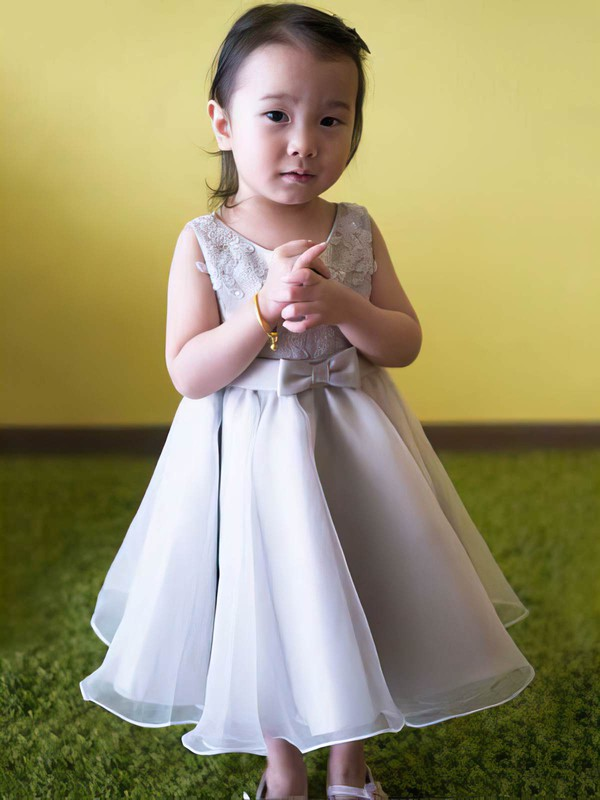 Silver Good Scoop Neck Organza Appliques Lace Tea-length Flower Girl Dress #PDS01031818