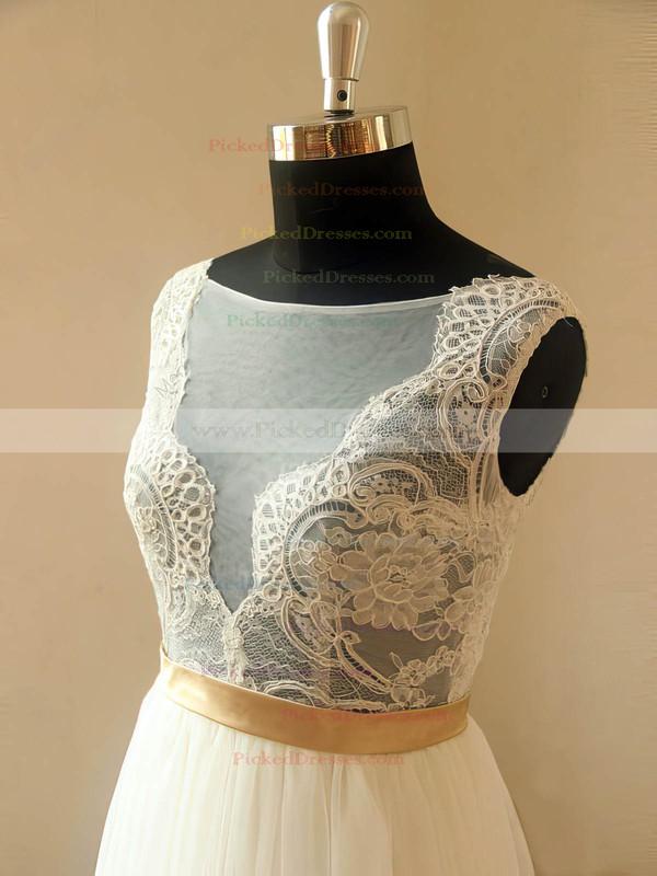Sweep Train Tulle Scoop Neck Appliques Lace Elegant Ivory Wedding Dresses #PDS00021467