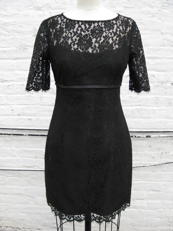 Sheath/Column Elegant Short Sleeve Black Lace Scoop Neck Mother of the Bride Dress #PDS01021318