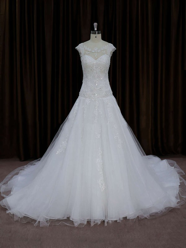 Chapel Train Tulle Appliques Lace Cap Straps Scoop Neck Ivory Wedding Dress