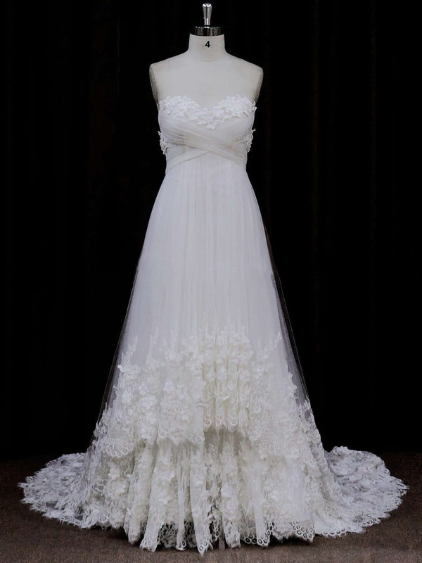 Popular Sweetheart Ivory Tulle Appliques Lace Empire Wedding Dress
