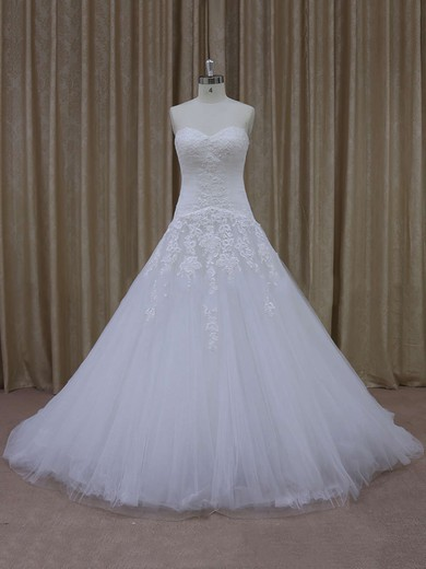 Ivory Tulle Court Train Appliques Lace Sweetheart Fashion Wedding Dresses #PDS00021844