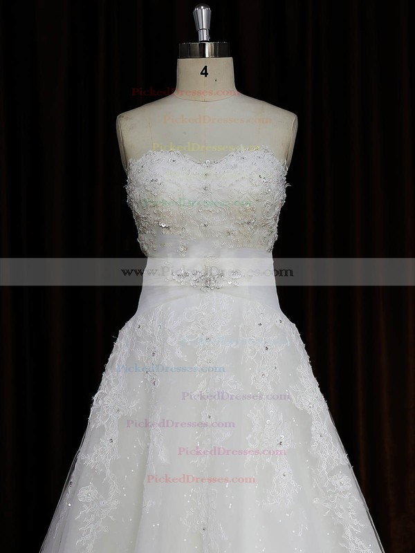 Vintage Sweetheart Tulle Appliques Lace Ivory Court Train Wedding Dresses #PDS00022059