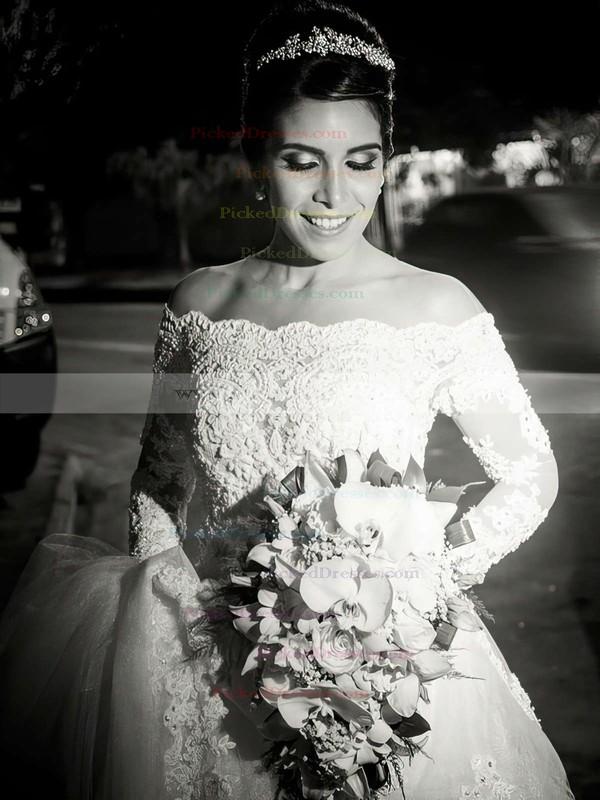 Fabulous A-line Scoop Neck Tulle Appliques Lace Chapel Train Long Sleeve Wedding Dresses #PDS00022542