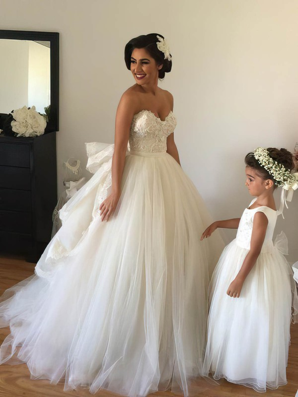 Ball Gown Sweetheart Tulle Watteau Train Appliques Lace Famous Backless Wedding Dresses #PDS00022543