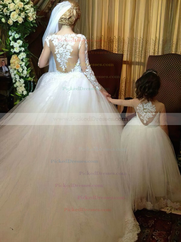 Popular Scoop Neck Tulle Chapel Train Appliques Lace Long Sleeve Ball Gown Wedding Dress #PDS00022593