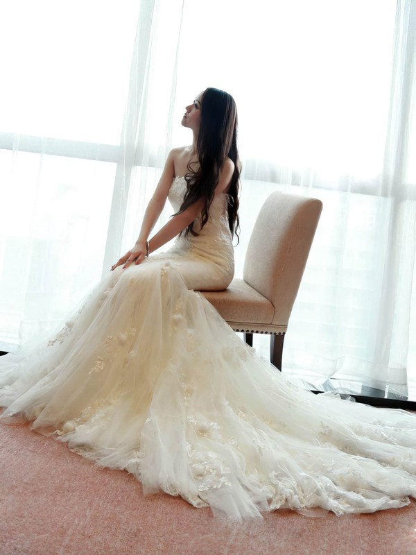 Fabulous Trumpet/Mermaid Strapless Tulle Appliques Lace Sweep Train Wedding Dresses #PDS00022660