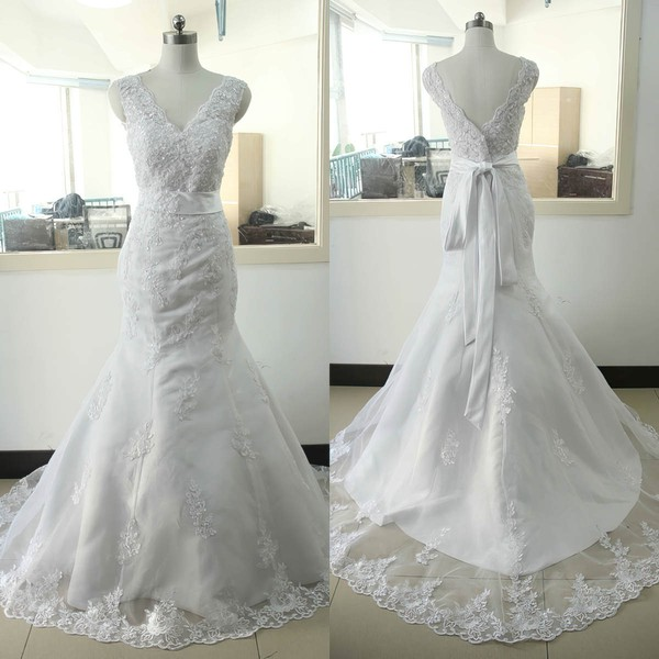 Trumpet/Mermaid V-neck Sweep Train Tulle with Appliques Lace Wedding Dresses #PDS00023023