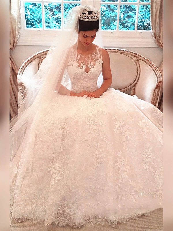 Ball Gown Scoop Neck Court Train Lace Appliques Lace Wedding Dresses #PDS00023341