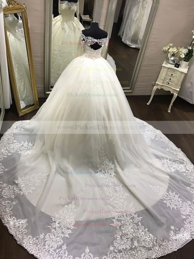 Ball Gown Off-the-shoulder Chapel Train Organza Appliques Lace Wedding Dresses #PDS00023343