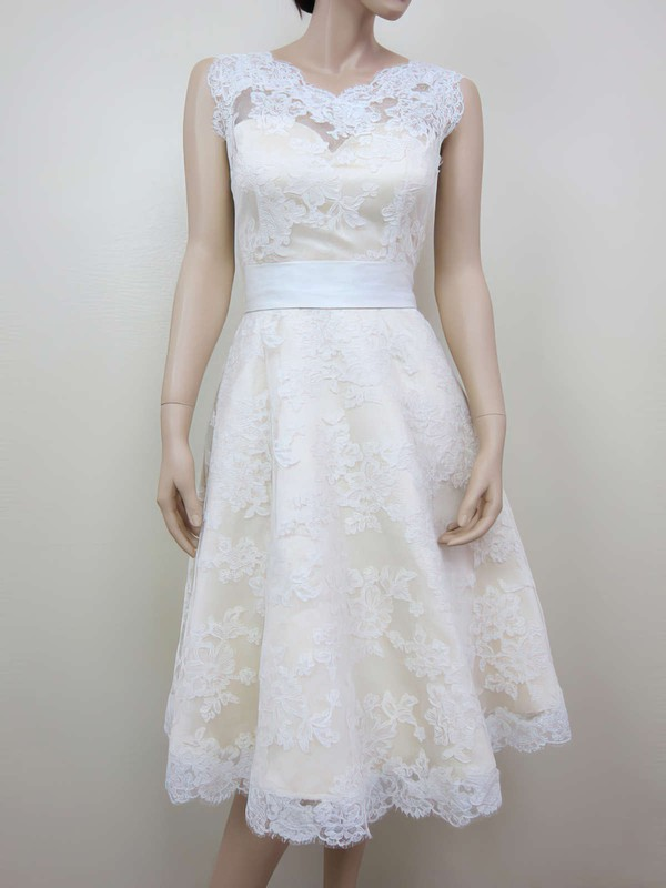 A-line Ivory Lace with Sashes/Ribbons Best Scoop Neck Wedding Dresses
